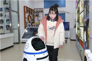 【新生故事】执着追梦互联网的女孩儿 —岳璐璐