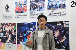 """【新生故事】 想做电竞管理,来新华""""竞""""遇未来"""