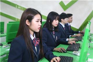 职业教育助力出彩人生,选择新华成就美好未来